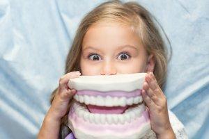 Jak sehnat dětského zubaře?