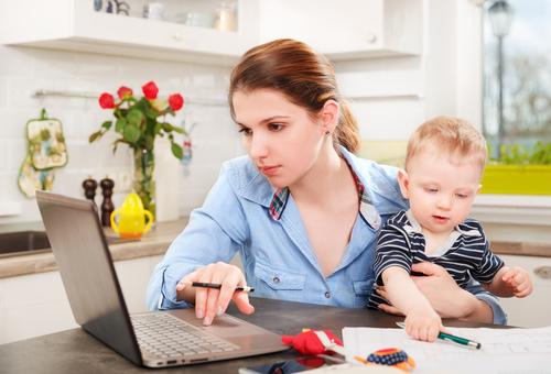 Přivýdělek na mateřské dovolené