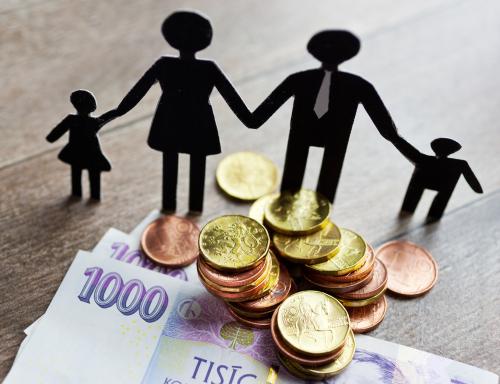 Výživné a úhrada některých nákladů neprovdané matce