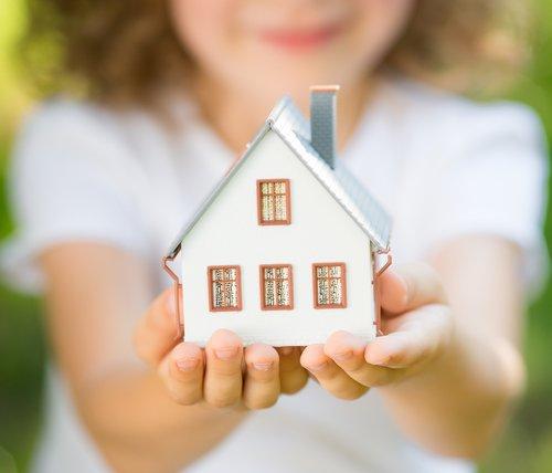 Výdaje na bydlení tvoří až dvě třetiny příjmů samoživitelek