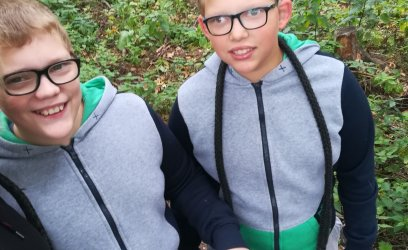 František a Matyáš budou chodit na plavání