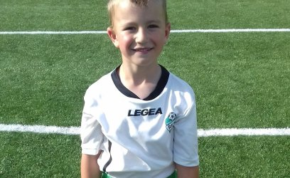 Samuel bude chodit na fotbal